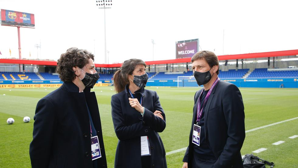 Leonardo, director deportivo del PSG, en el Estadi Johan Cruyff