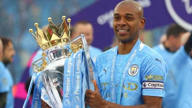 Fernandinho: el capitán del Manchester City firma una extensión de contrato por un año