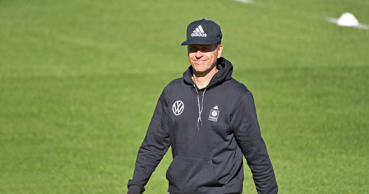 Oliver Bierhoff no entrena con el equipo DFB