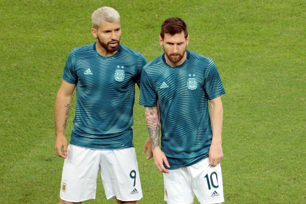 Eto cree que Messi y Agüero se combinarán para 60 goles en el Barça