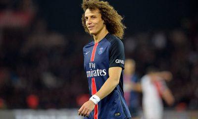 Según los informes, el defensa central David Luiz podría estar en línea para un impresionante regreso al PSG este verano