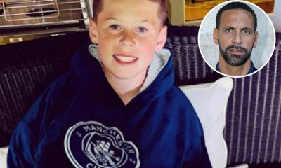 El hijo de Wayne Rooney, Kai, usa una sudadera con capucha del Man City mientras la leyenda del Manchester United, Rio Ferdinand, pregunta '¿qué está haciendo con esa camiseta?'