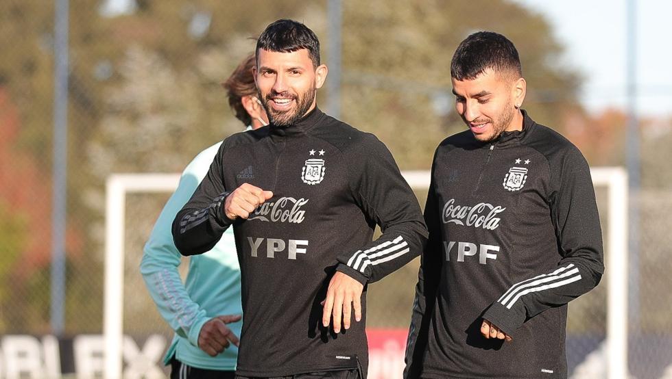 Sergio Agüero podría ser titular junto a Lionel Messi por Argentina ante Colombia