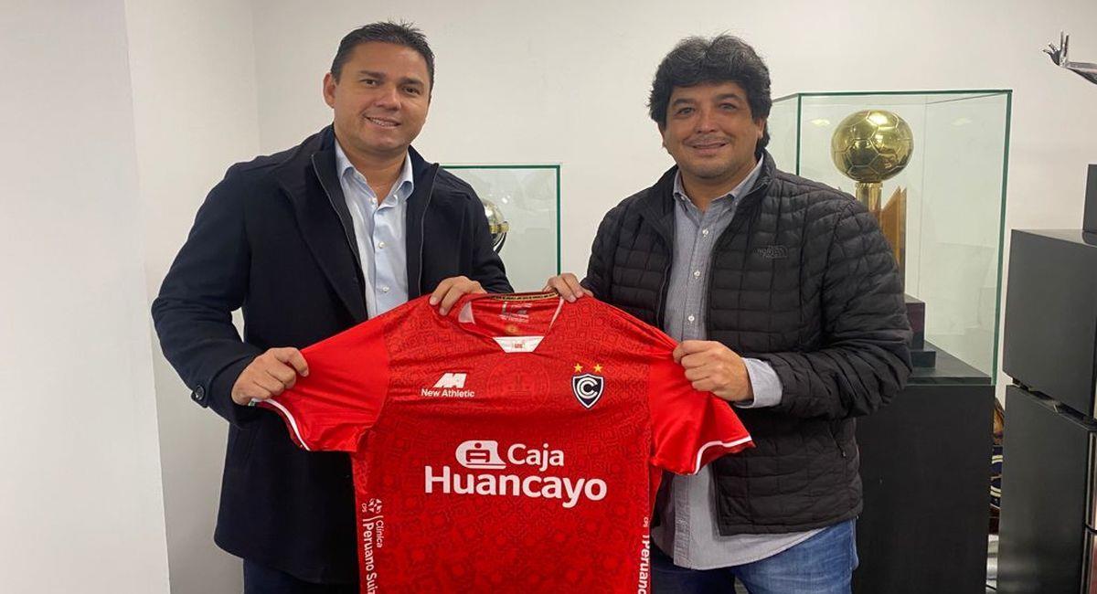 Cienciano presentó a Víctor Rivera como su nuevo entrenador