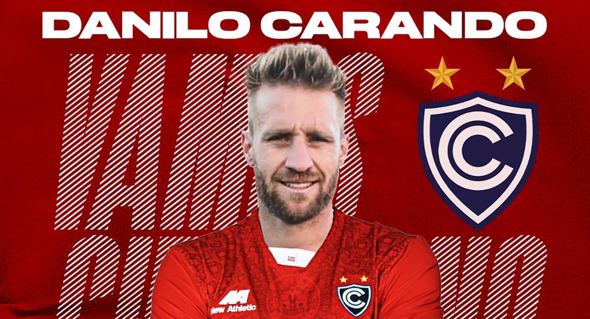 Cienciano sorprendió en fichajes y anunció al delantero argentino Danilo Carando