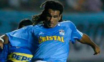Robert Lima, ex defensa de Sporting Cristal, falleció este jueves a causa de un paro cardíaco
