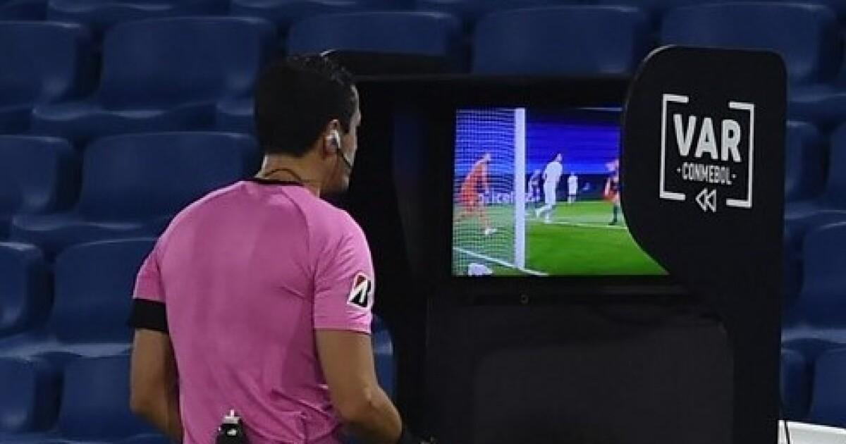 ¿Y Pitana? Indignación en redes por suspensión de Conmebol de árbitro colombiano en Libertadores