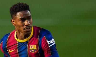 Junior Firpo: el lateral del Barcelona se une al Leeds United por cuatro años