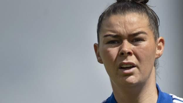 Mujeres del Leicester City: Natasha Flint es una de las nueve en firmar nuevos contratos en el club WSL