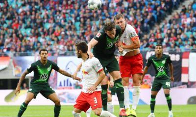 El jefe del Wolfsburgo 'espera firmemente' que Wout Weghorst se quede a pesar de los enlaces de salida
