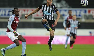 Southampton está en conversaciones por el mediocampista del Newcastle United Isaac Hayden