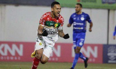 Brusque decide en el primer tiempo y gana el farol Confiana para la Serie B