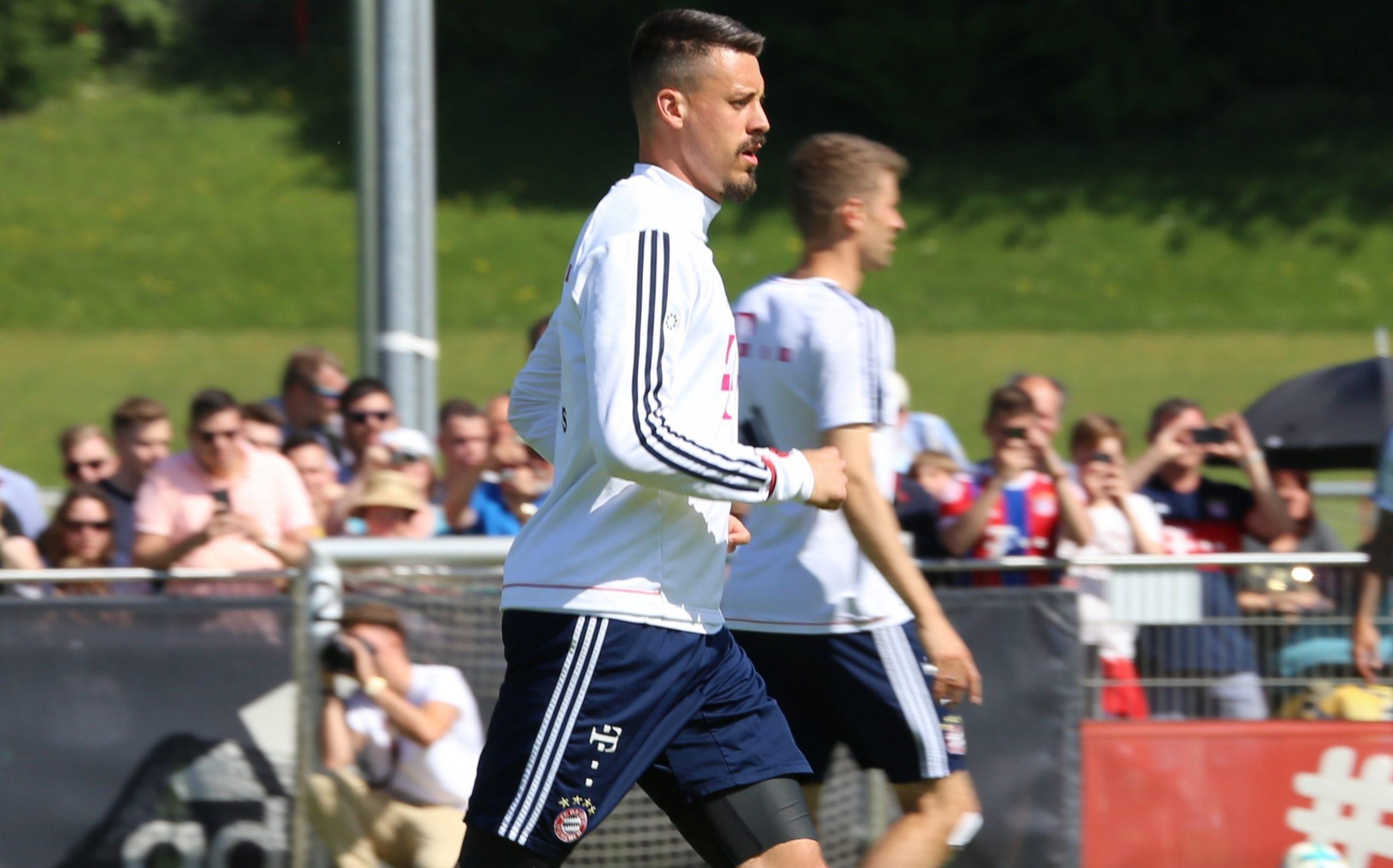 """""""Divine Gift"""" Sandro Wagner modera las expectativas antes del debut como entrenador en jefe de la Regionalliga"""