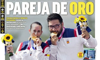 Documentos españoles de hoy: España asegura una victoria olímpica clave y Memphis brilla en la acción de pretemporada de Barcelona