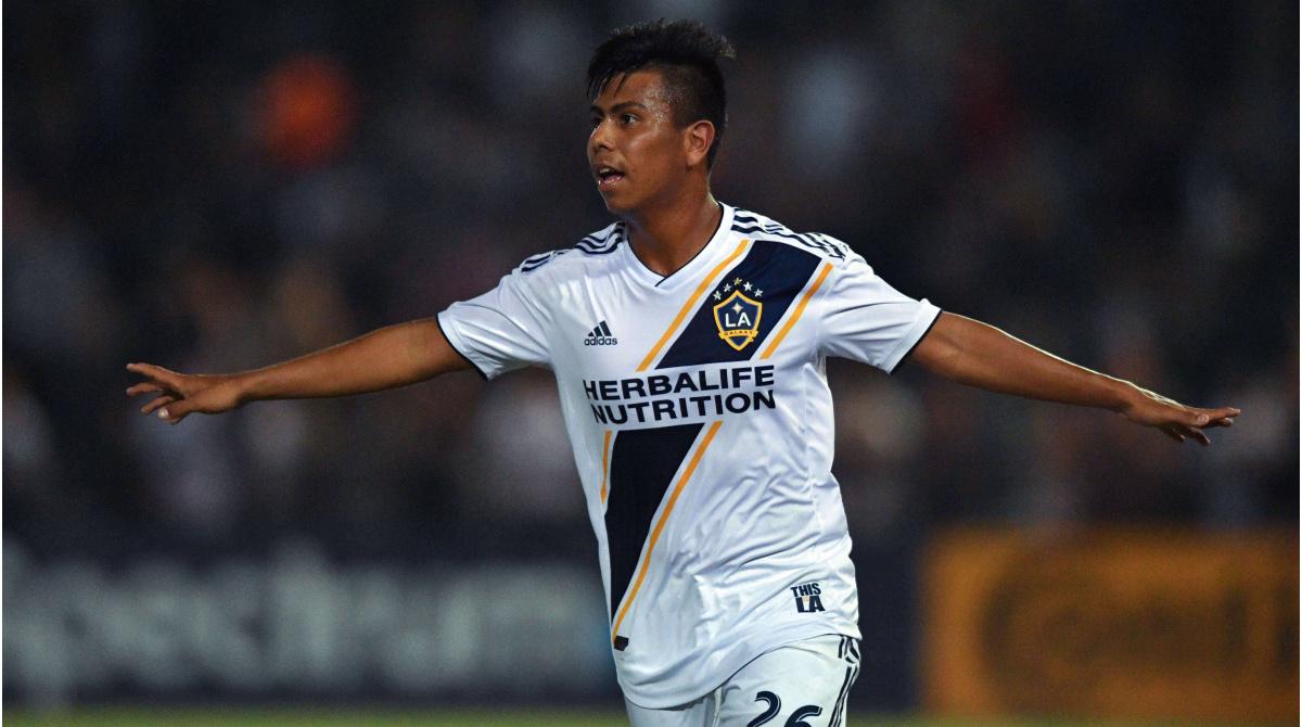Éfrain Álvarez renueva contrato con LA Galaxy - Entre los 25 jugadores más valiosos de la MLS