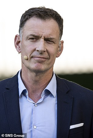 Chris Sutton cree que el jefe del Celtic, Ange Postecoglou, merece una disculpa del jefe Dominc McKay