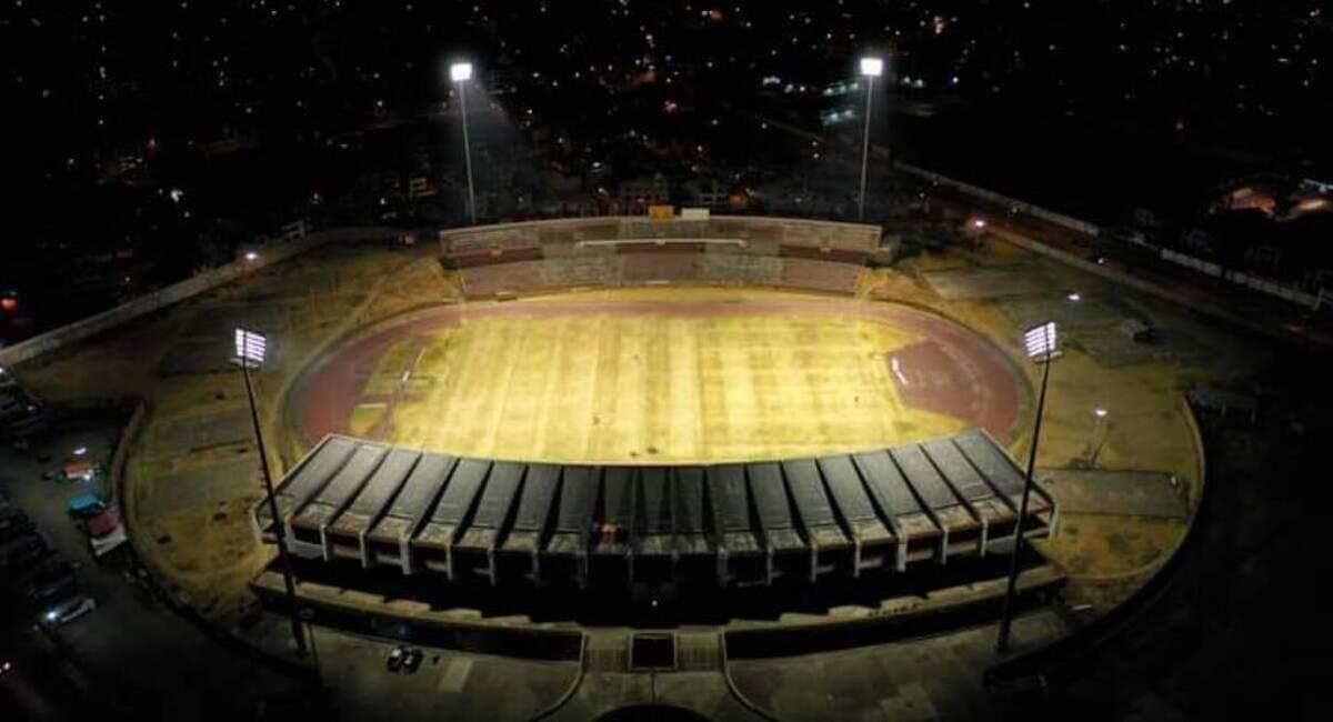 Estadio de Huancayo ya cuenta con iluminación artificial