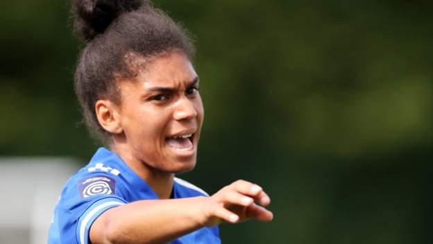 Holly Morgan: la capitana del Leicester City se retira para convertirse en la entrenadora del primer equipo
