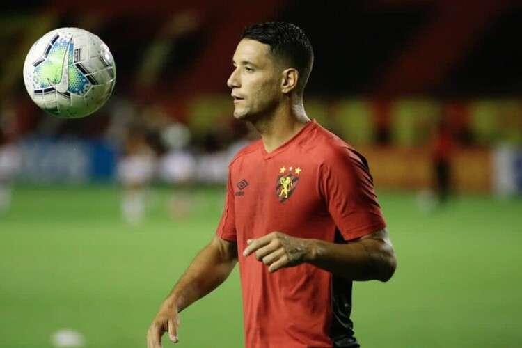 Insatisfecho con la crisis en el Sport, Thiago Neves amenaza con dejar el club