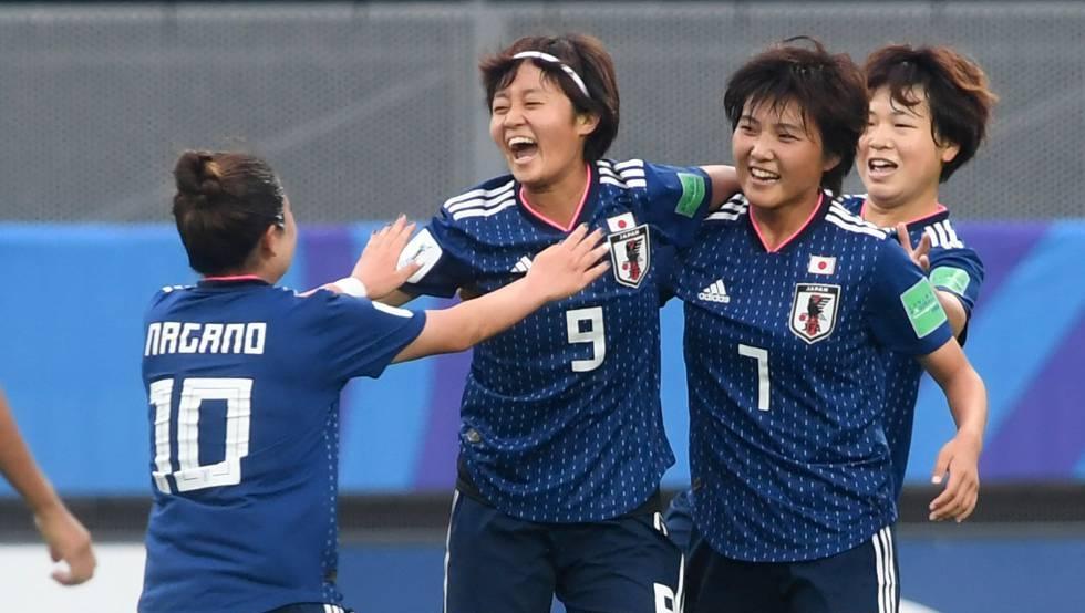 Las jugadoras de la selección de fútbol femenino de Japón, durante el Mundial de Francia