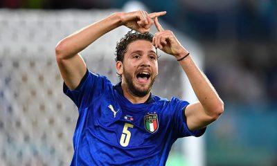 Según los informes, la Juventus está lista para relanzar su oferta por el mediocampista italiano Manuel Locatelli (arriba)