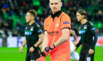 Lukas Hradecky asume la capitanía del Leverkusen