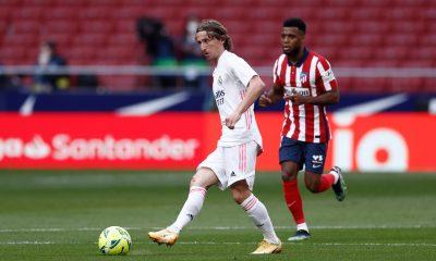 Modric sustituye a Varane en la lista de capitanes del Real Madrid