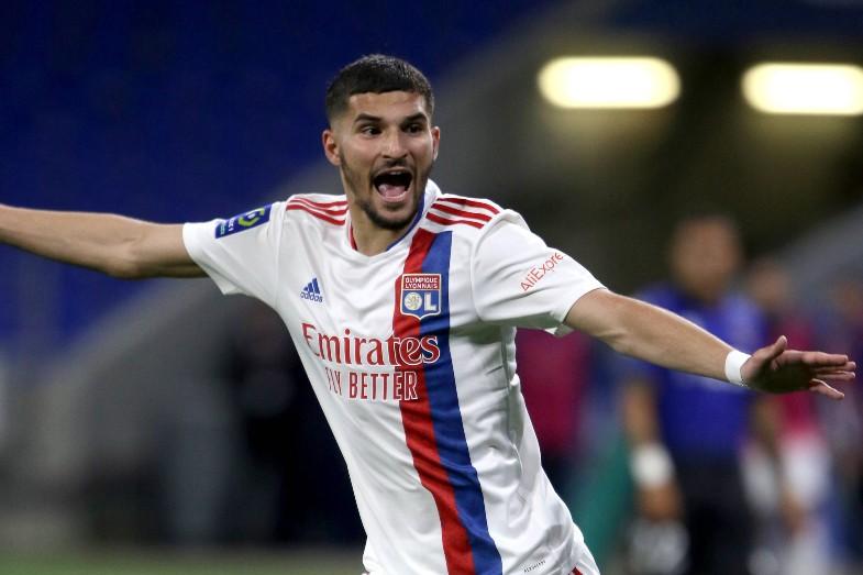 El Arsenal necesita vender un mediocampista para completar la transferencia de Houssem Aouar