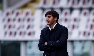 Roma coach Paulo Fonseca looks on during the Serie A football match n.31 TORINO - ROMA on April 18, 2021 at the Stadio Olimpico Grande Torino in Turin, Piedmont, Italy. Final result: Torino-Roma 3-1. (Photo by Matteo Bottanelli/NurPhoto via Getty Images)