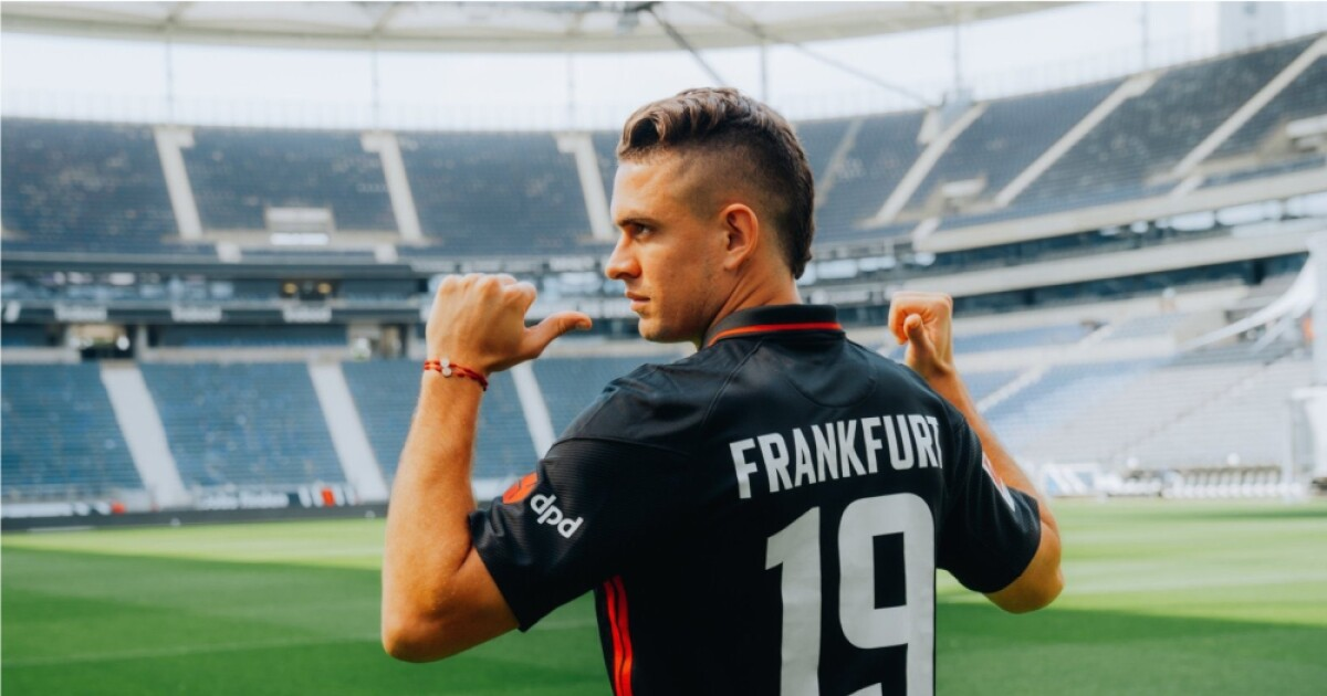 Rafael Santos Borré mostró su alegría por primer entrenamiento con el Eintracht Frankfurt
