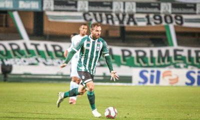 Willian Farias habla de un partido complicado ante Náutico, ganando el liderato en la Serie B