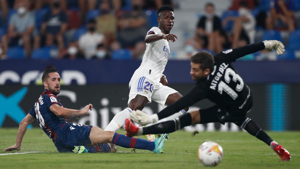 Carlo Ancelotti pide calma en el Real Madrid tras el caos en el Levante
