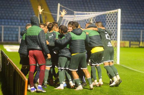 Con gol en la última jugada, el guaraní vence a Avaí y entra en el G4 de la Serie B