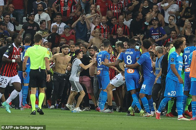 La prensa francesa criticó las horribles escenas que vieron el choque de Marsella contra Niza abandonado el domingo por la noche.