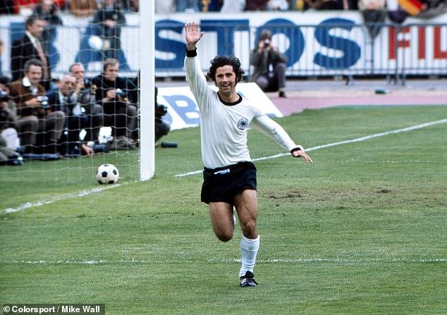 La leyenda del fútbol alemán Gerd Muller falleció a los 75 años el domingo por la mañana.