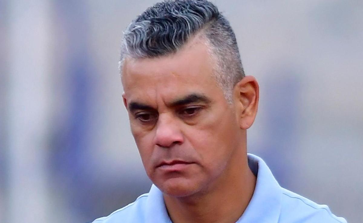 Héctor Altamirano, primer director técnico cesado