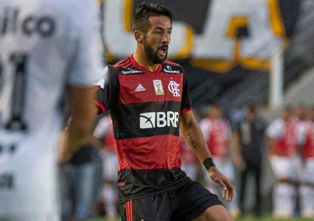 » Isla es baja en Flamengo para Libertadores y preocupa en la 'Roja'