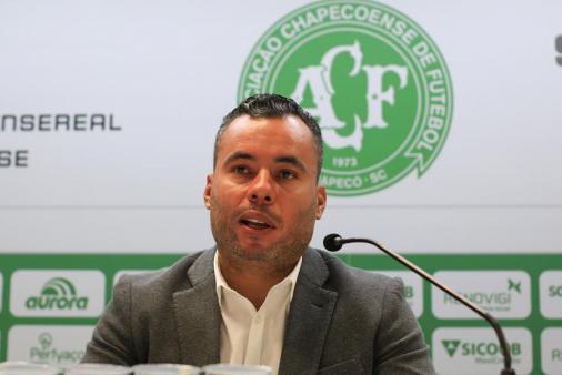 Jair Ventura es destituido del mando técnico del Chapecoense