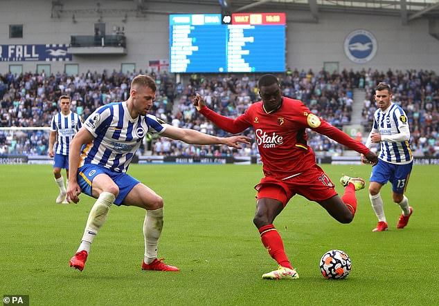 Jamie Carragher elogió a Adam Webster de Brighton después de su victoria por 2-0 sobre Watford