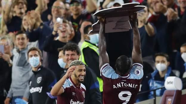 La celebración de baile de Michail Antonio para recordar en la noche récord del West Ham