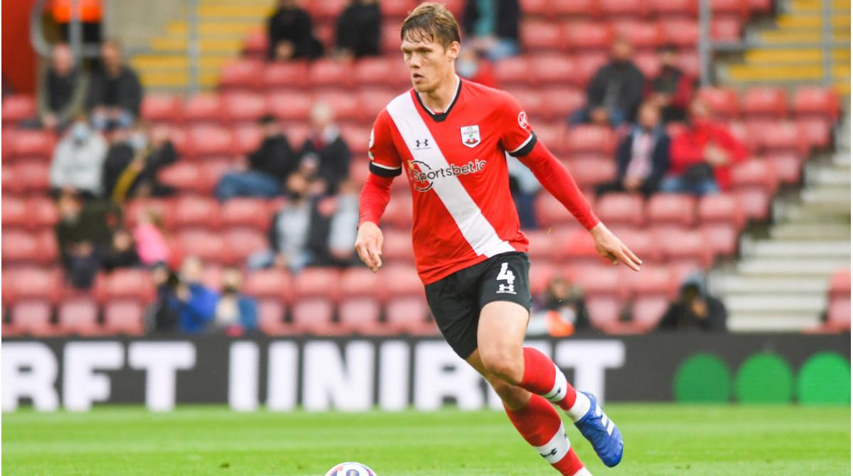 Leicester City compra Vestergaard - Dane con la tarifa de transferencia acumulada más alta