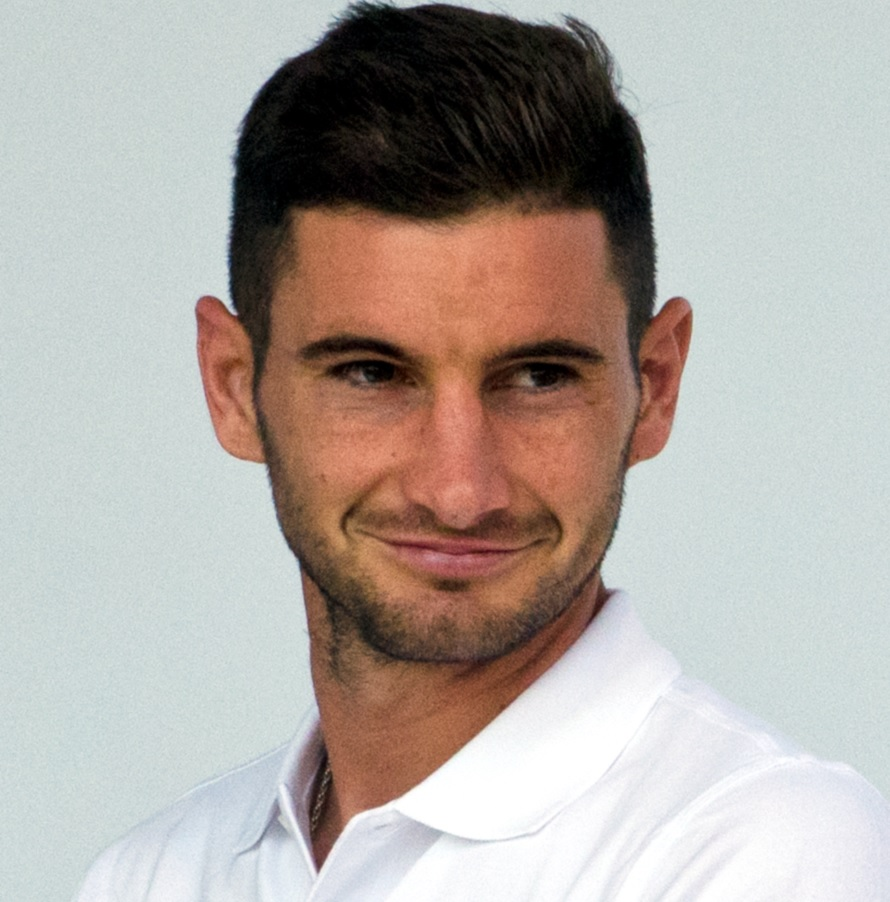 Leverkusen se prepara para extenderse con Alario y dejar de perseguir a Azmoun