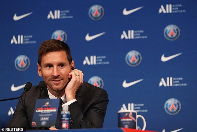 Lionel Messi fue presentado oficialmente como jugador del Paris Saint-Germain el miércoles por la mañana