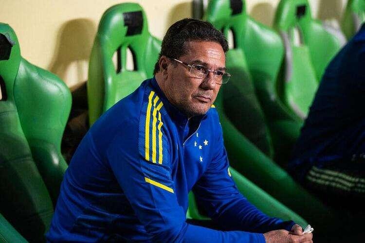 Luxemburgo escala Cruzeiro con tres cambios para jugar con Sampaio Corra