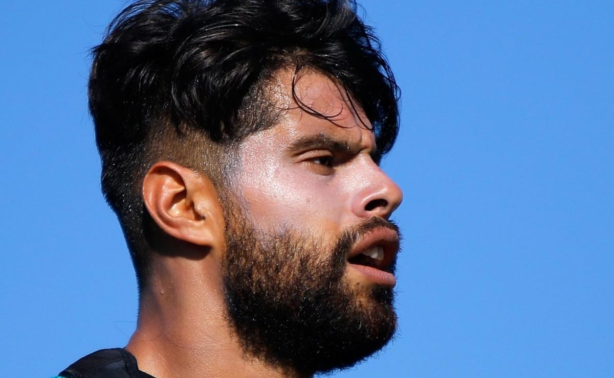 Néstor Araujo revela cómo quedó el vestidor tras perder la Copa Oro 2021
