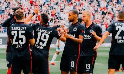 Santos Borré debutó con gol en la victoria del Eintracht Frankfurt sobre el Saint-Étienne