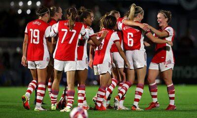 Leah Williamson es atacada cuando el Arsenal está enormemente impresionado en una goleada 5-0 al Manchester City