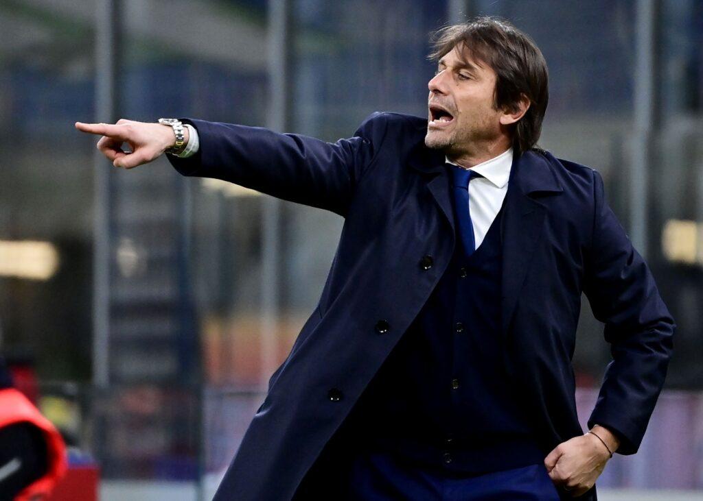 Conte no piensa en fichar por el Barcelona o el Arsenal esta temporada