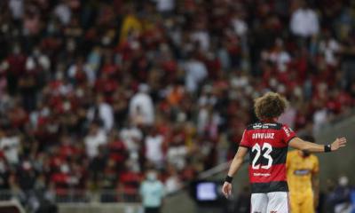 David Luiz presenta credenciales en su debut con el Flamengo y complace a la afición: 'Basta con ser un ídolo'