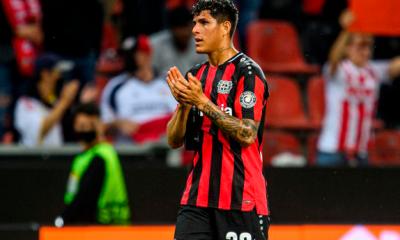 Elogios y reconocimientos para el ecuatoriano Piero Hincapié tras su debut en Europa
